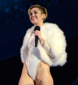 miley cyrus nackt cameltoe